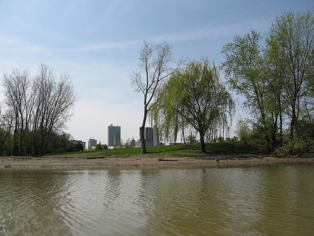 Fort Wayne approves adding floating dock to downtown park